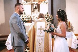 fotorelacja ślubna w kościele